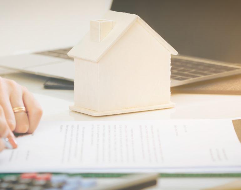 Rechtsanwalt-für-Versicherungsrecht-Hauskauf